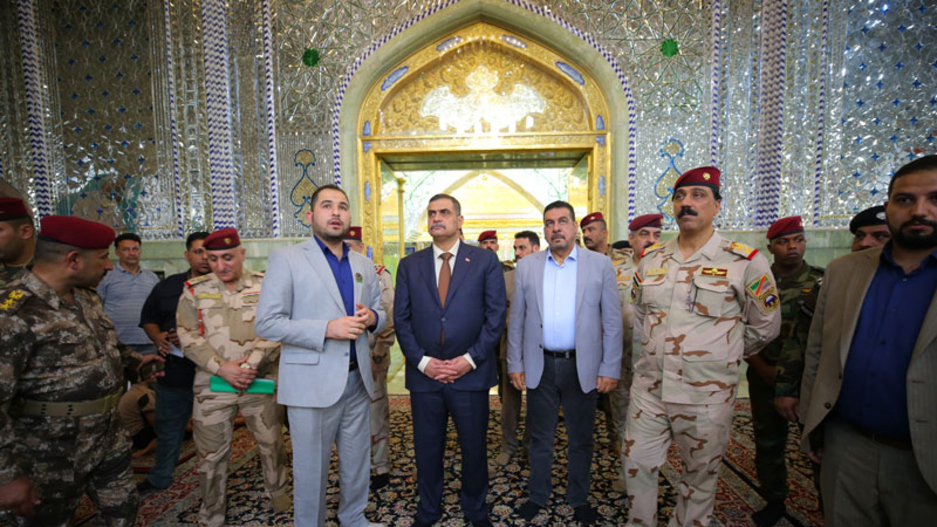 وزير الدفاع يعلن الشروع بفتح الطرق في المدينة القديمة بسامراء
