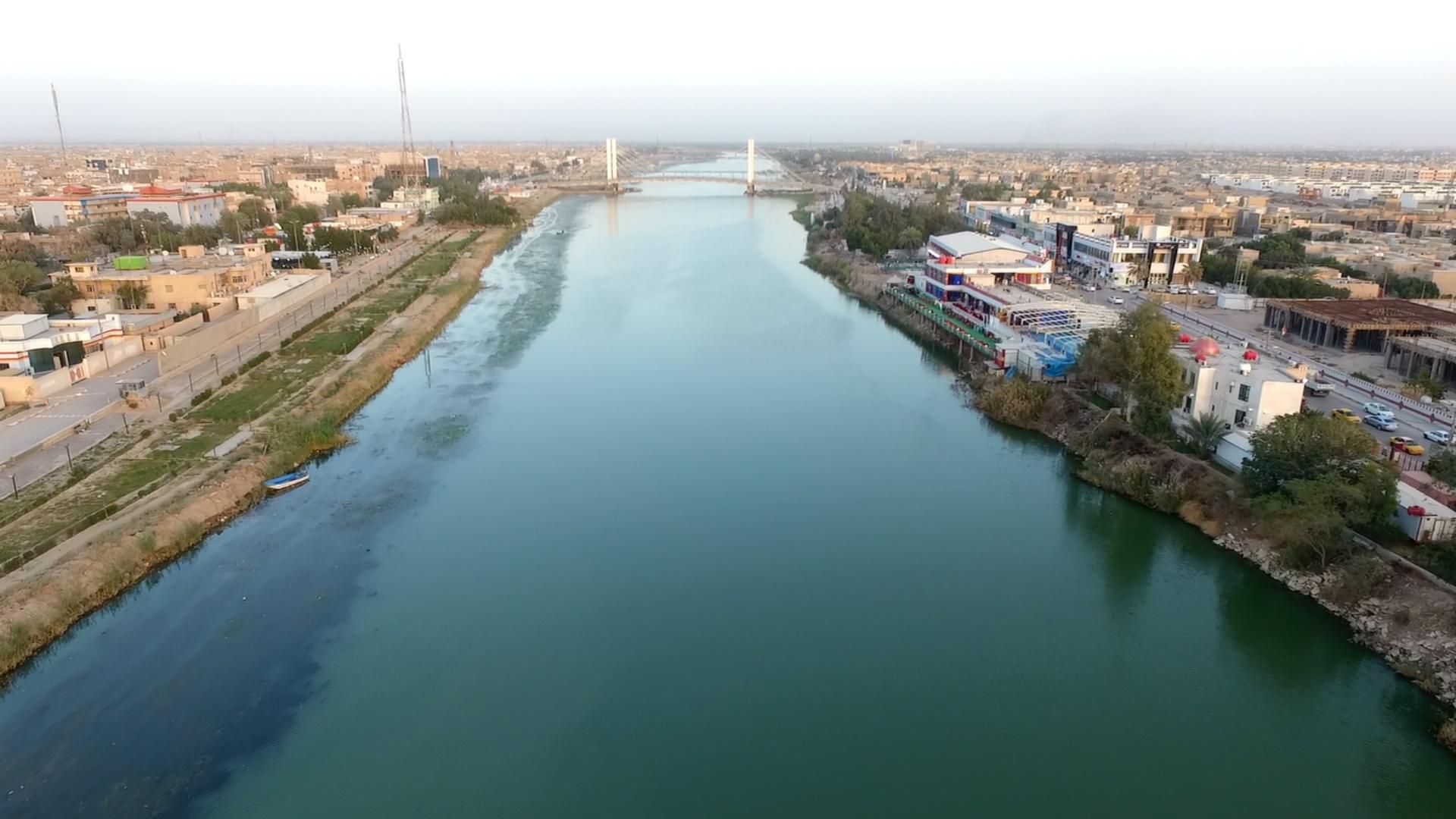 هدم بيوت مسؤولين سابقين في ذي قار لانتهاكهم حرمة الأنهر