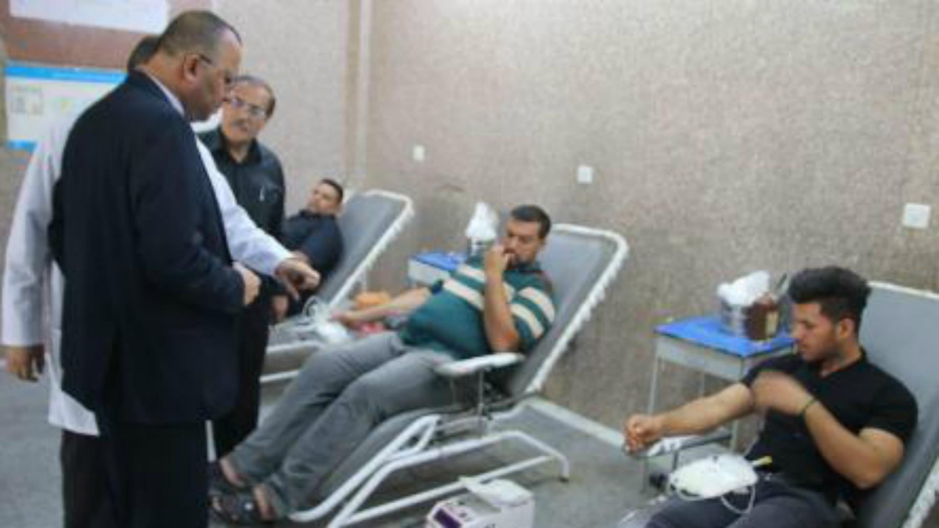 بصريون يتبرعون بالدم في عاشوراء لدعم مخزون الدم في المحافظة