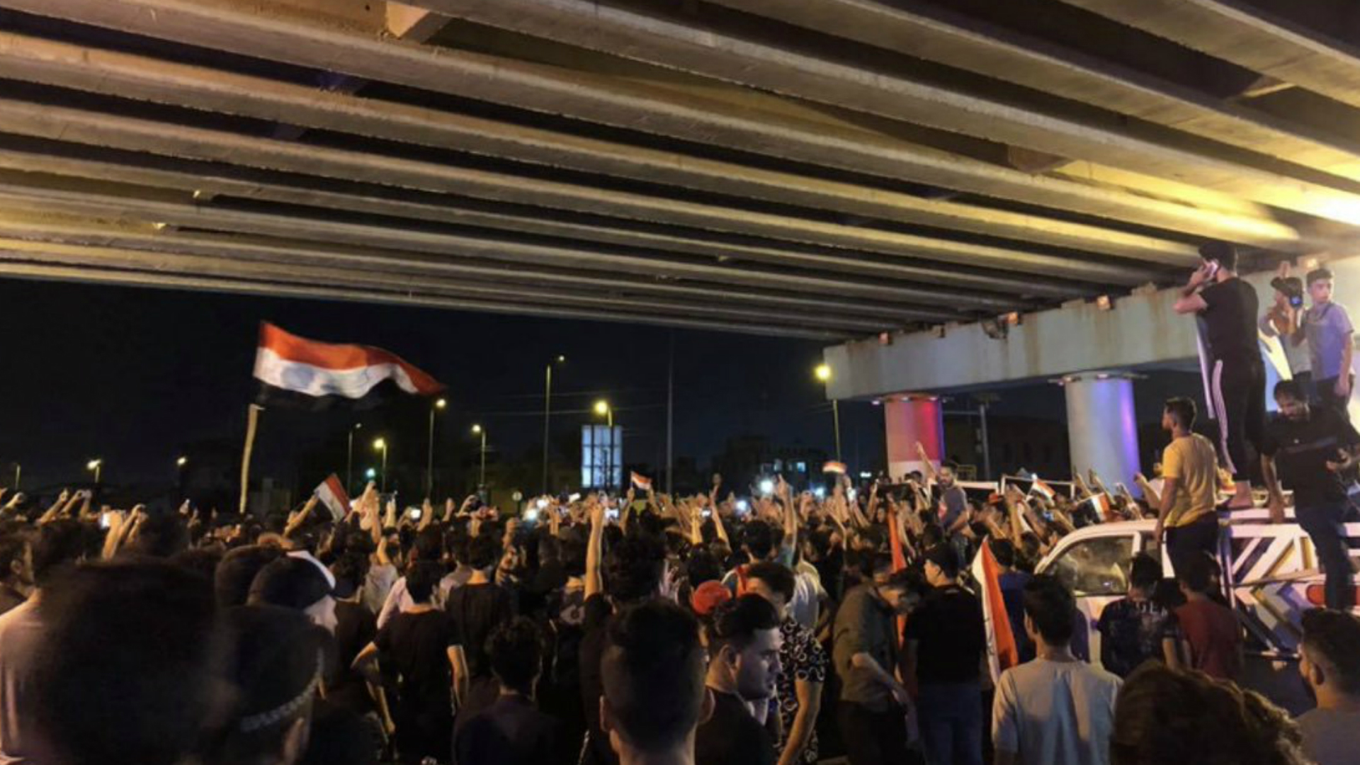 متظاهرو بغداد يبدأون اعتصاماً مفتوحاً