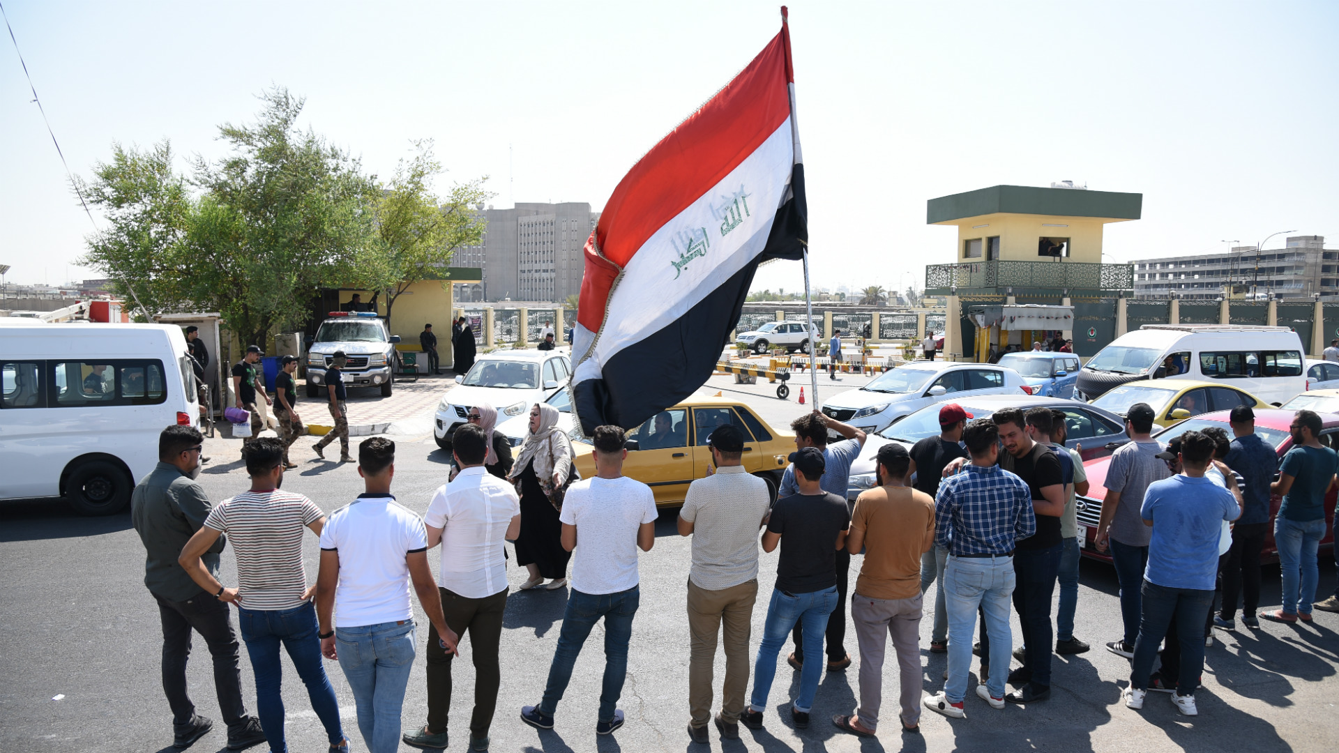 مطالب بإلزام الشركات الأجنبية على توظيف العراقيين