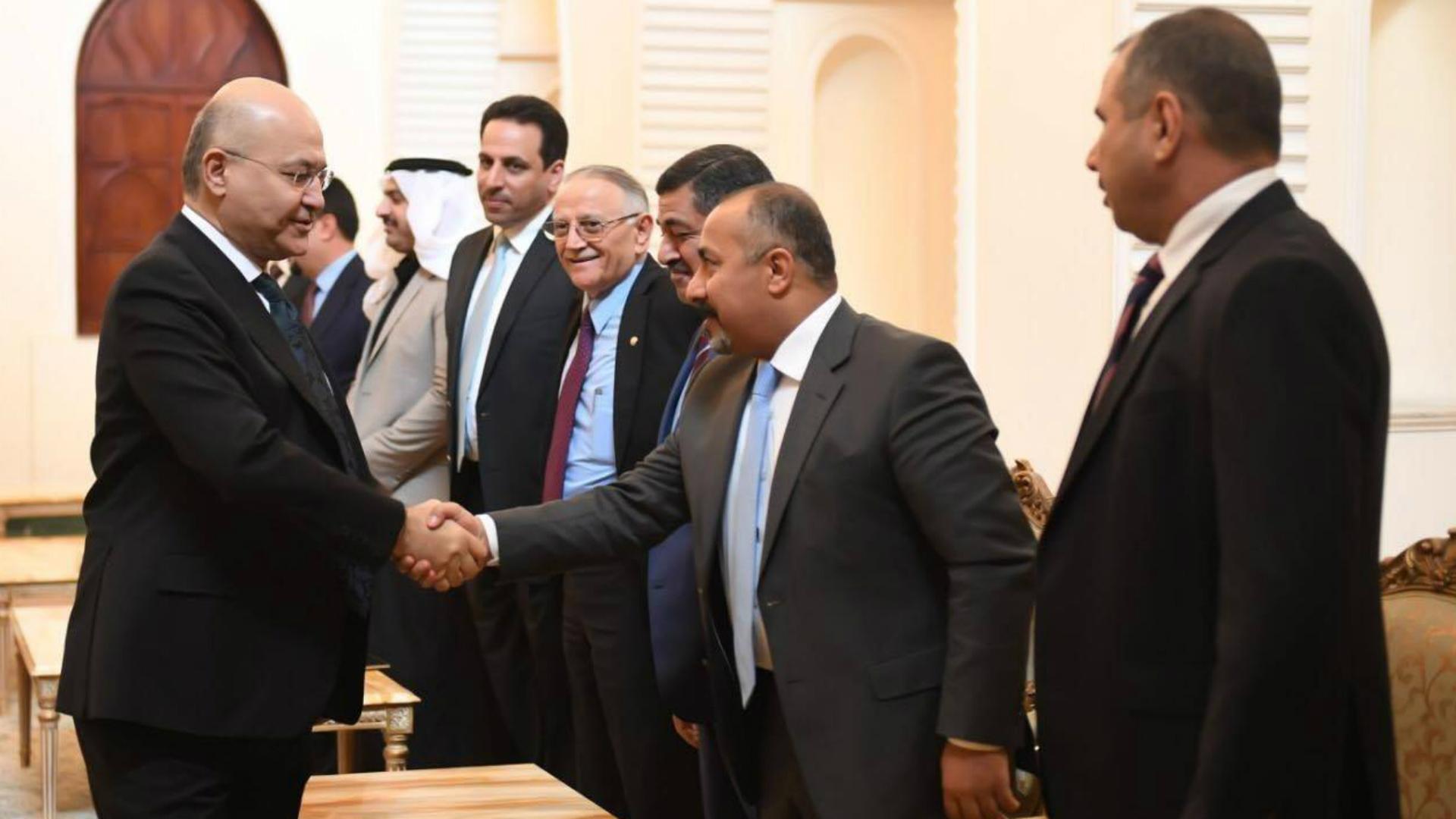 الرئيس صالح يبحث مع عشرات النواب ملف رئاسة الحكومة المقبلة