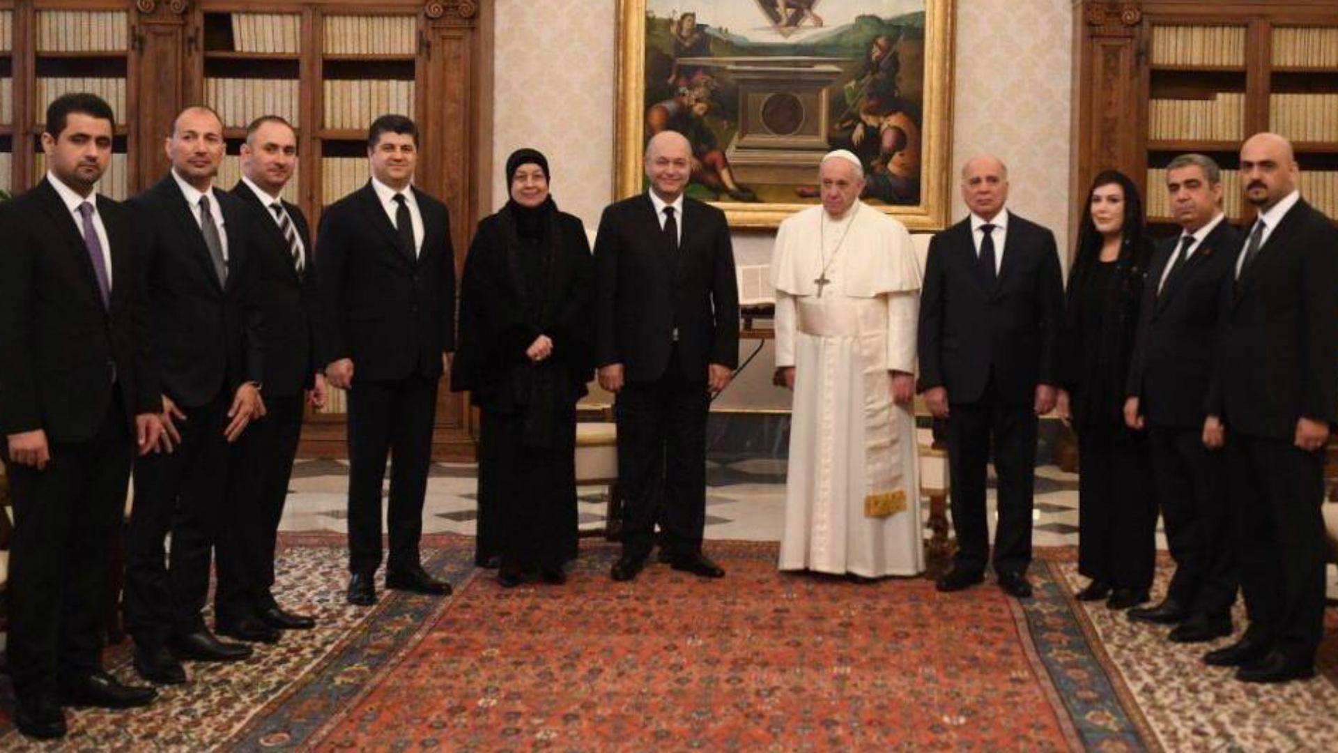 الرئيس صالح يلتقي بابا الفاتيكان