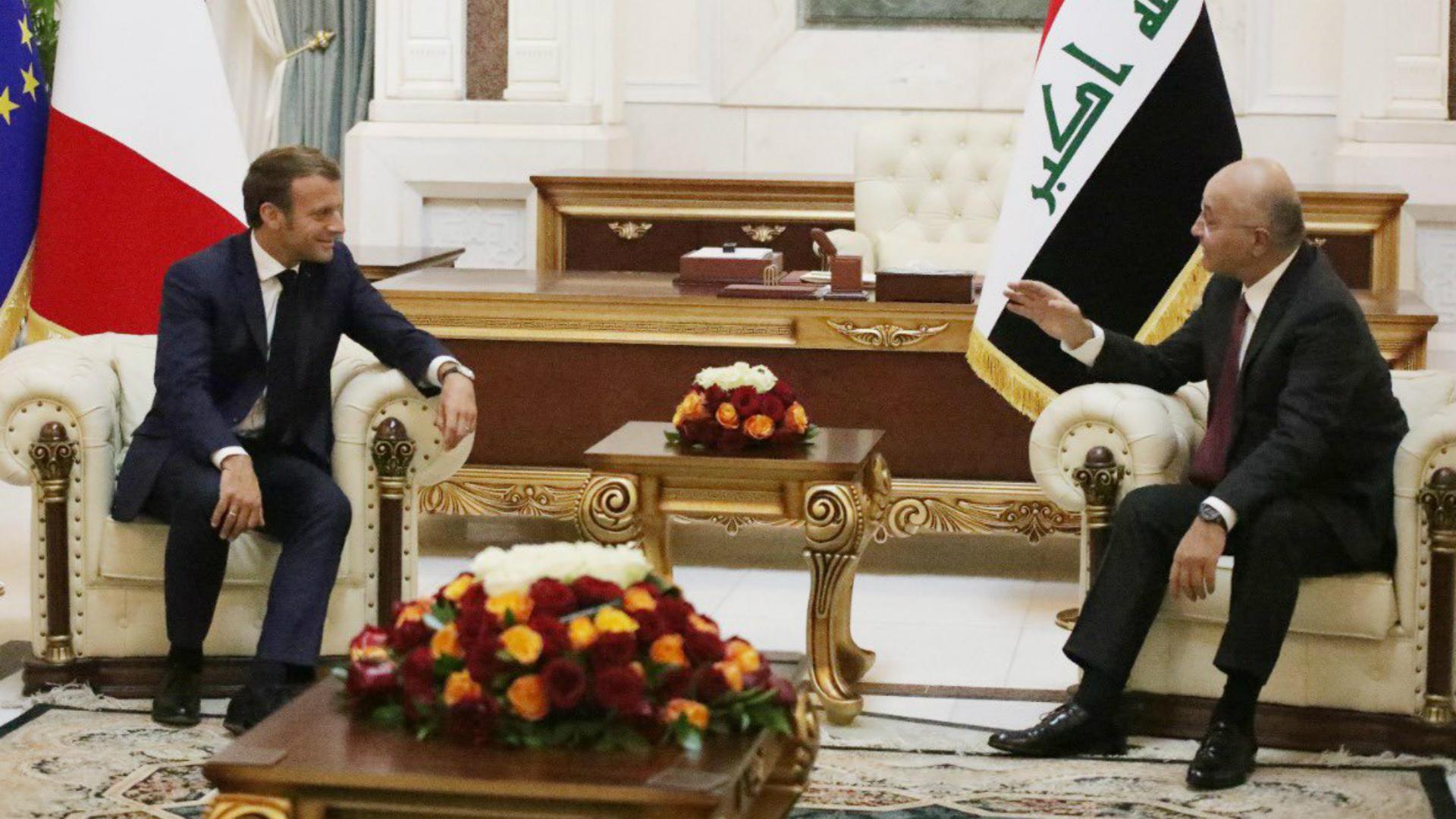 صالح يستقبل الرئيس الفرنسي في بغداد