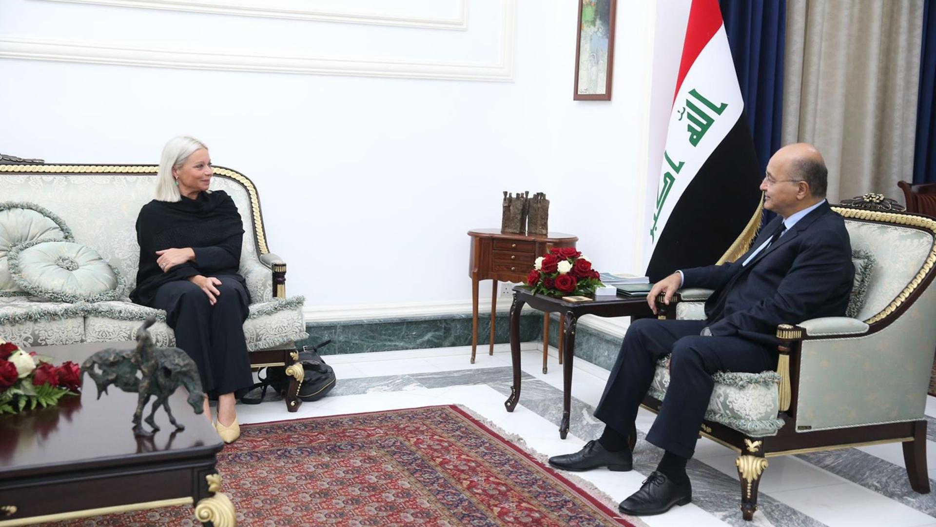 صالح وبلاسخارات يؤكدان أهمية توفير الشروط اللازمة لإجراء الانتخابات